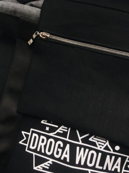 czarna torba droga wolna